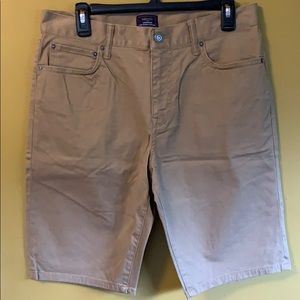 New without tag, Men Gap khaki short